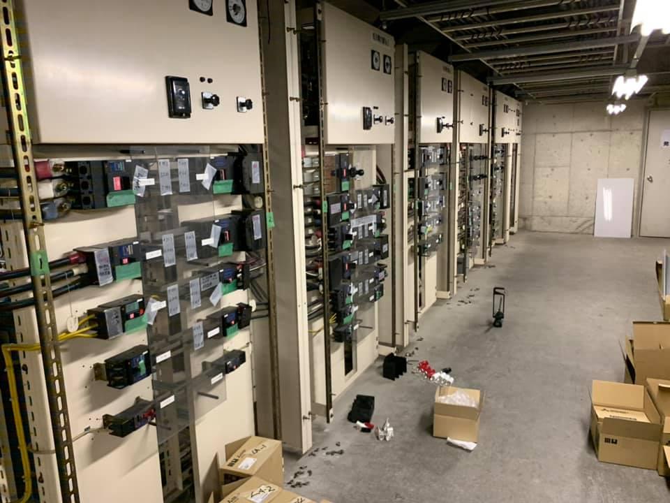 ショッピングモール電気室メンテナンスショッピングモール / メーター追加・幹線入替工事